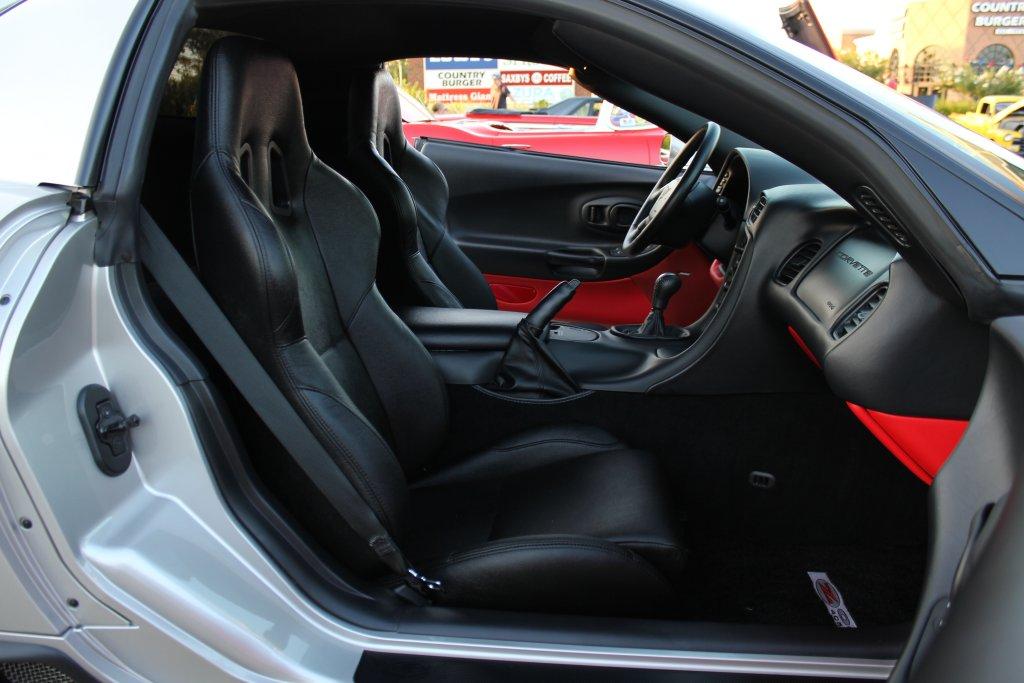 c5 corvette corbeau seats